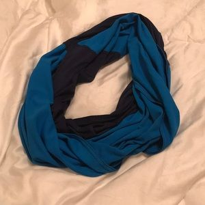 🌊(🆓 w/ $10 purchase) Fabletics Circle Scarf